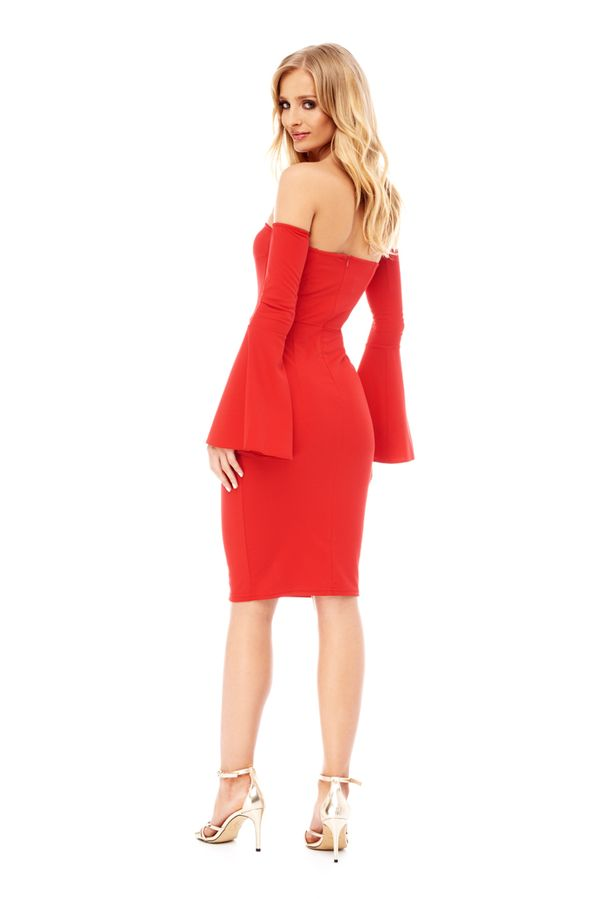 Szukasz czerwonej sukienki na wielkie wyjście? Zainspiruj się kreacją...