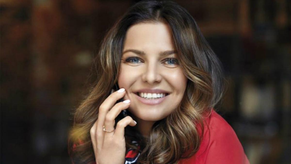 Dziwna twarz Anny Lewandowskiej na okładce nowego kalendarza