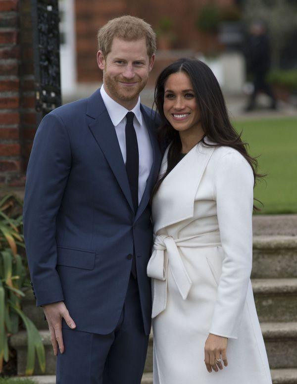Książę Harry i Meghan Markle zaręczeni! Musicie zobaczyć pierścionek! (FOTO)