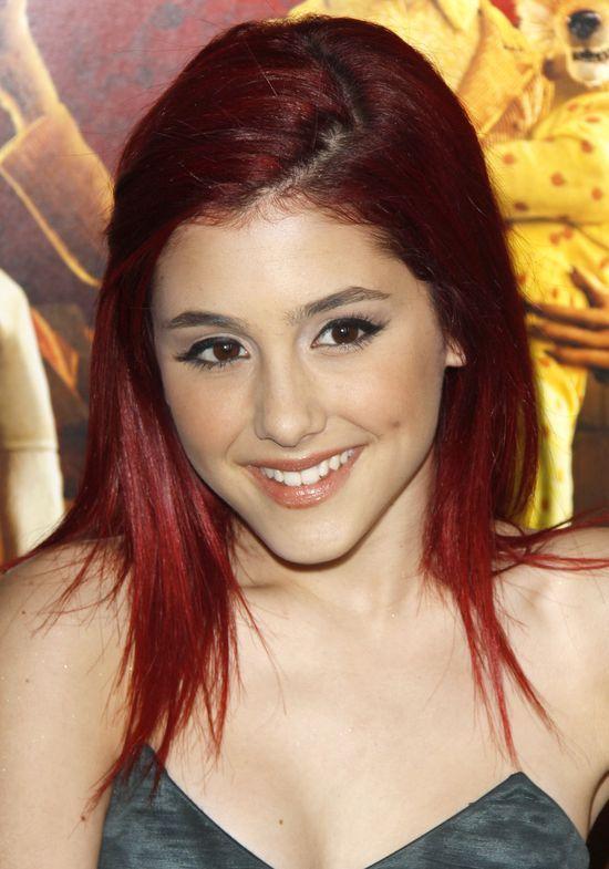 Ariana Grande przeszła kolejną metamorfozę. Jej włosy odzyskały dawny blask?