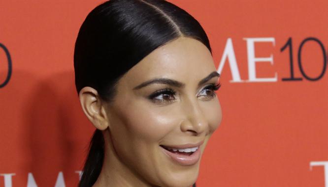 Kim Kardashian bez makijażu i w dresach! Twierdzi, że jest w życiowej formie!