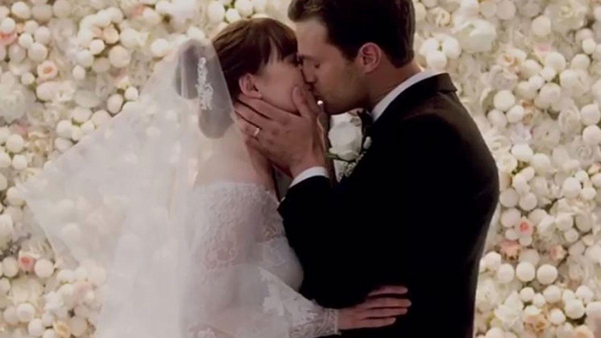 Suknia ślubna Any z Nowego oblicza Greya już jest wielkim hitem. Wiemy, gdzie…