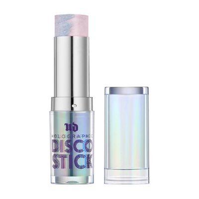 Z tymi kosmetykami Twój sylwestrowy makijaż utrzyma się przez całą noc!