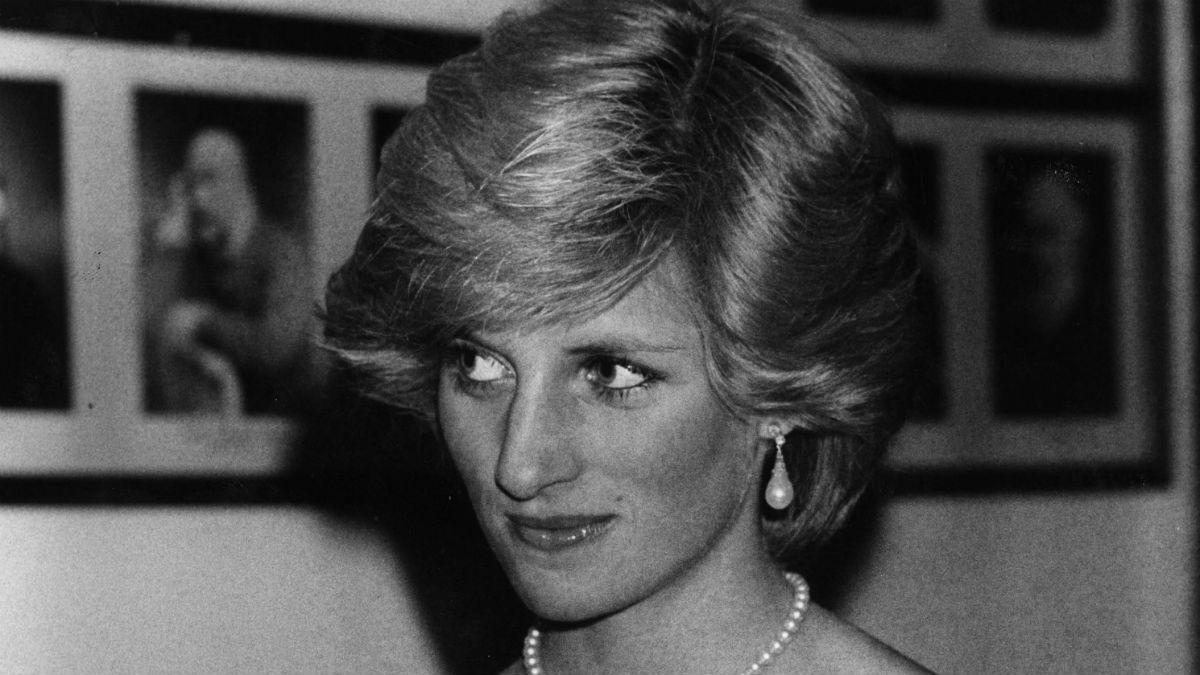 W ten sposób księżna Diana oszukiwała media! Niewiarygodne jak obcinała włosy!