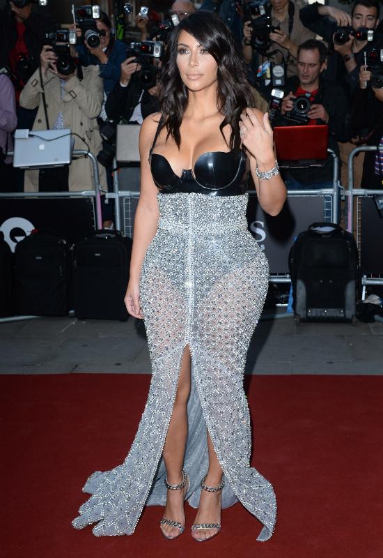 OMG! Kris Jenner pokazała zdjęcie 17-letniej Kim Kardashian! Nie uwierzycie...