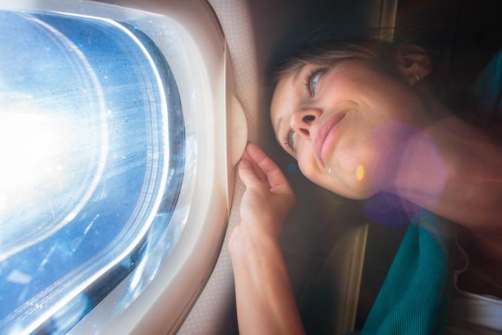 Przed wejściem do samolotu powinnaś nałożyć krem z filtrem! Zawsze!