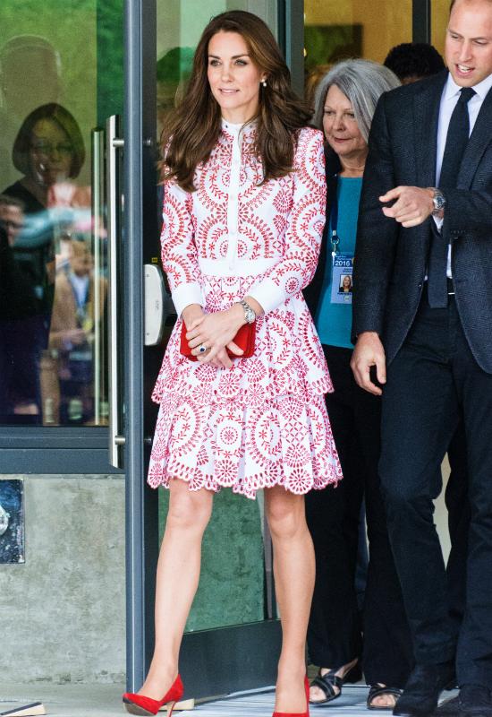 Dlaczego Kate Middleton już nigdy nie pomaluje paznokci? Smutny los księżnej...