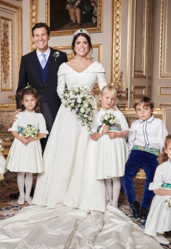 Dlaczego księżniczka Eugenia podczas ślubu pokazała wielką bliznę?