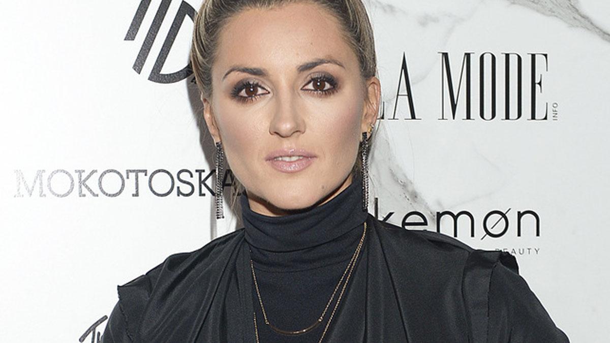 Karolina Szostak na wczorajszy pokaz Zienia uczesała się… sama? (FOTO)