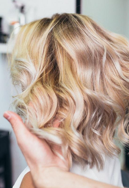 Znamy ekspresową metodę na pożółkłe, odbarwione włosy! Wystarczy 5 minut!
