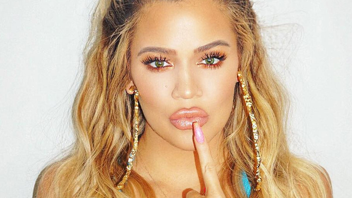 Rozświetlacz, którego używa Khloe Kardashian możecie kupić za… 15 złotych?!
