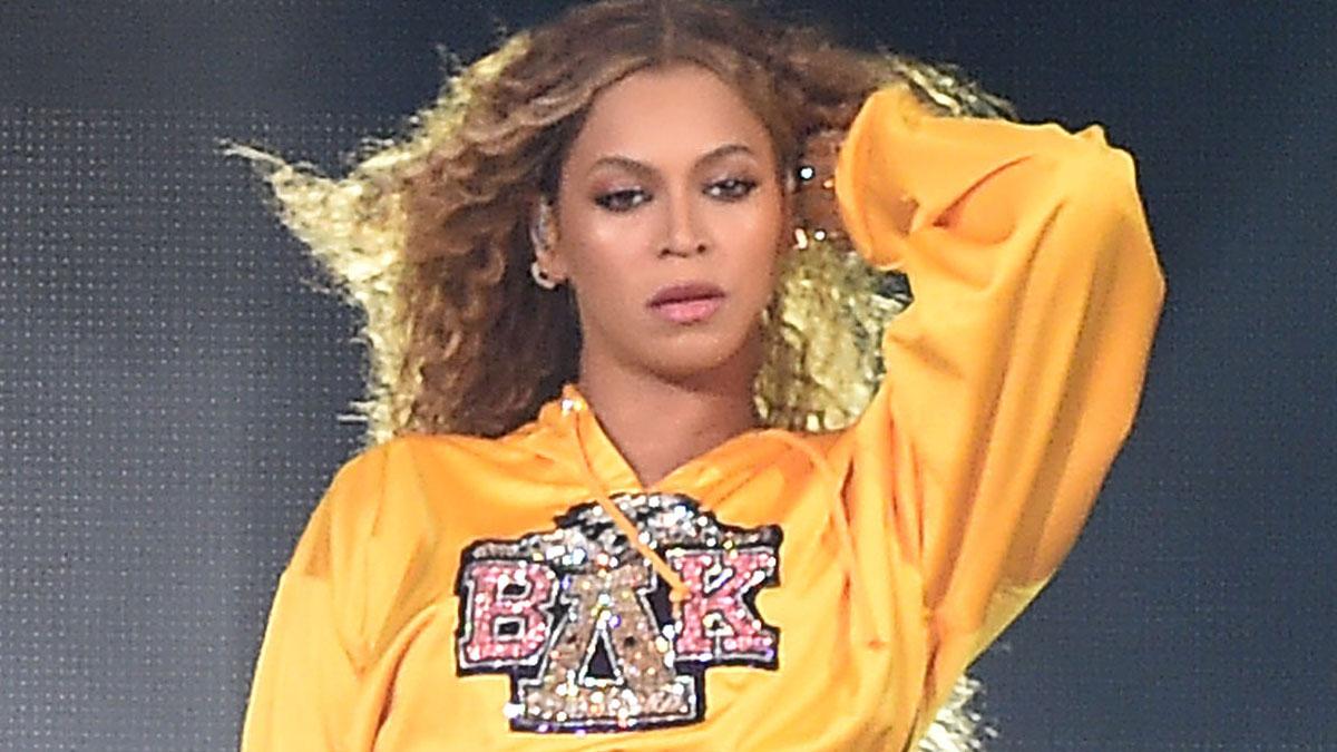 WOW! Mascarę, którą na koncertach używa Beyonce kupicie w… Rossmannie!