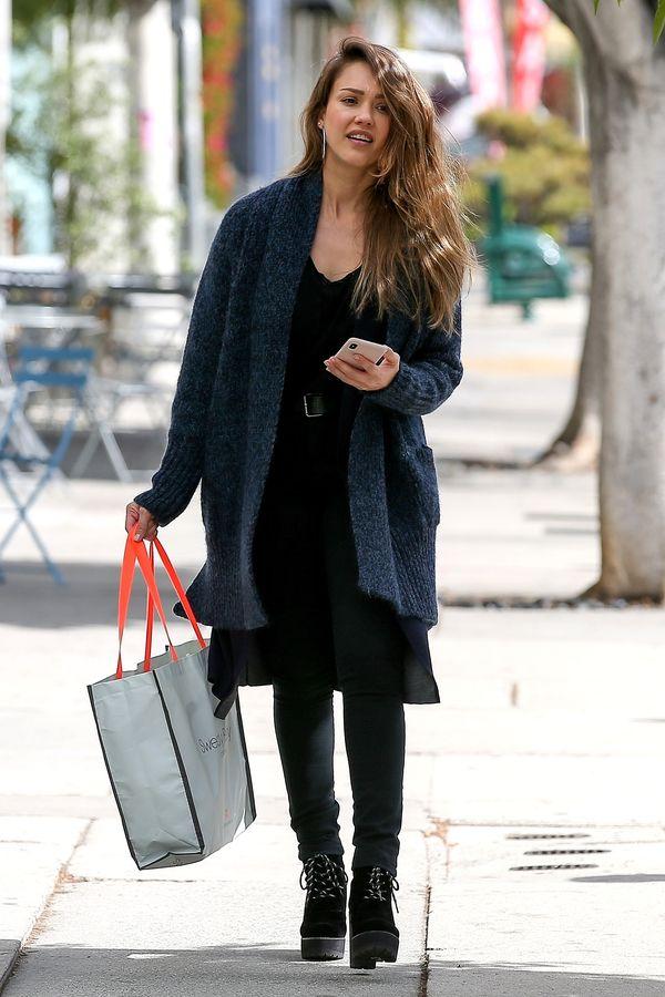 Jessica Alba bez makijażu wcale nie wygląda jak Jessica Alba bez makijażu?