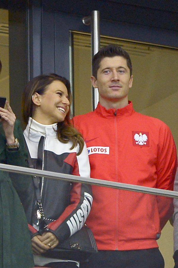 WOW! Anna Lewandowska zaszalała z kolorem włosów. Jest BLONDYNKĄ!