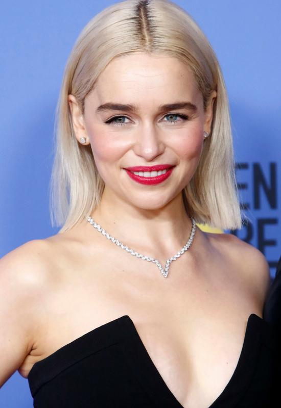 Emilia Clarke przeszła drastyczną metamorfozę! Urocze pixie wygląda znakomicie!