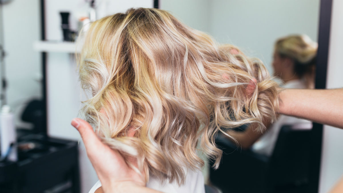 Weganizm niebezpieczny dla włosów? Fryzjer gwiazd ujawnia prawdę!