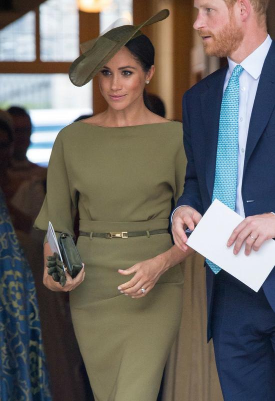 Meghan Markle zmieniła fryzurę! Spełnia oczekiwania Elżbiety II?