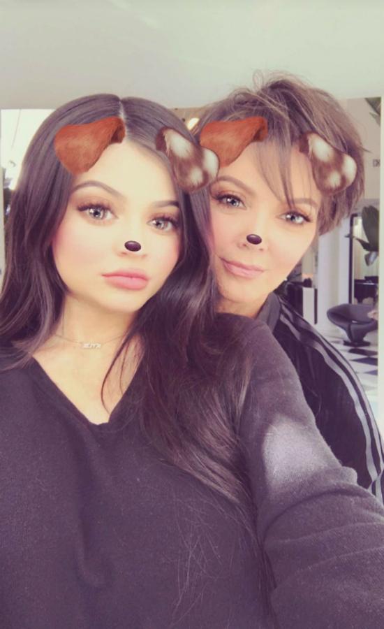 W końcu! Kylie Jenner pokazuje zdjęcie, na którym już sporo krągłości!