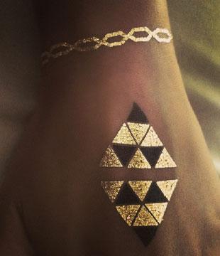 Złote Tatuaże Na Ich Punkcie Oszalały Gwiazdy Foto Zeberkapl