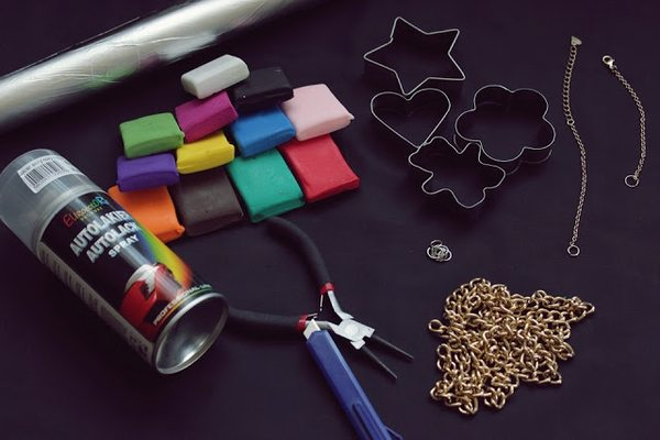 Zrób to sama: kolorowy naszyjnik