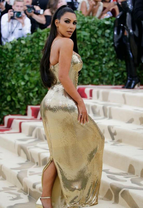 Kim Kardashian pokazała stare zdjęcie! Fani: to Twoja ładniejsza siostra!