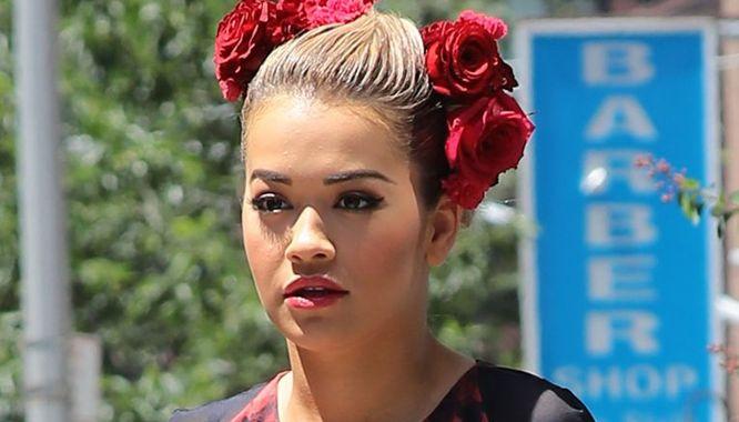 Rita Ora na ulicach Nowego Jorku niczym modelka na pokazie DolceandGabbana
