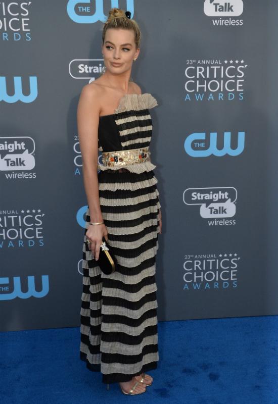 Margot Robbie zachwyca klasyczną estetyką Chanel! To najmodniejszy...