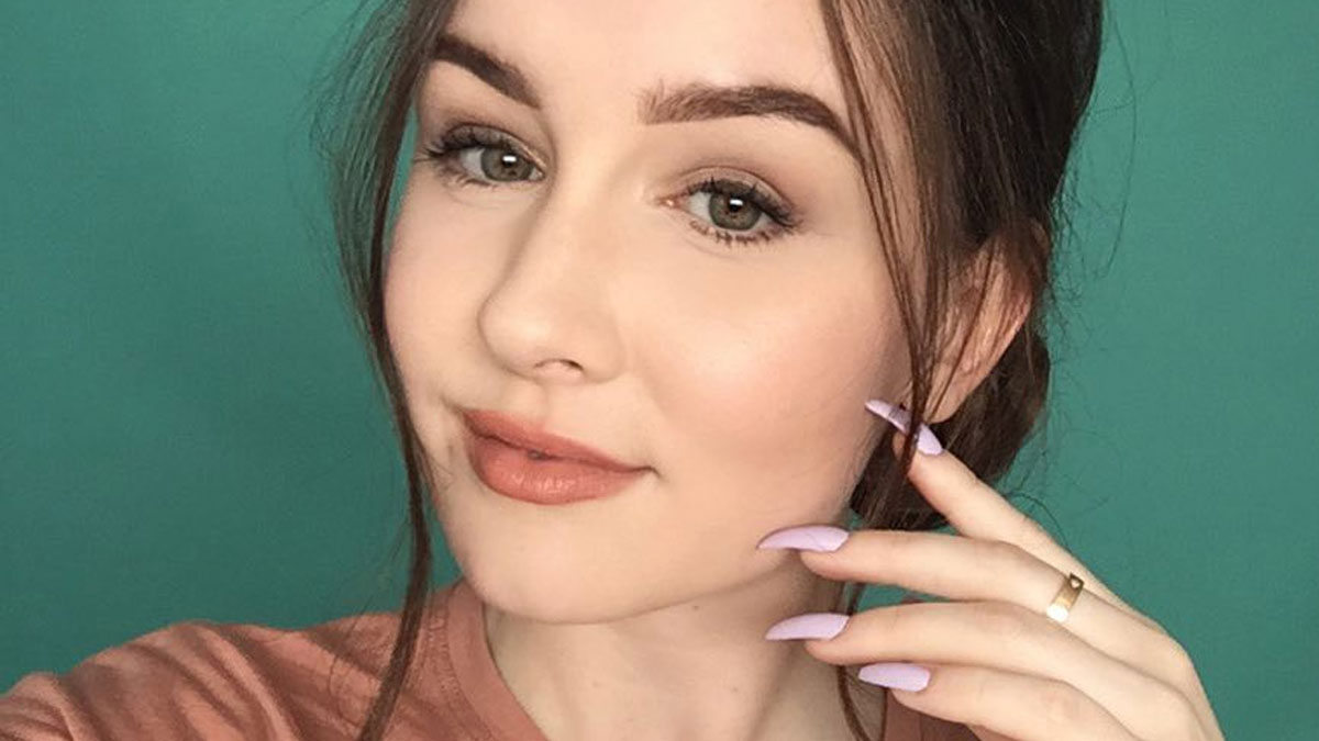 Blogerka zdjęła tipsy po 6 latach. Jej paznokcie wyglądają fatalnie (FOTO)