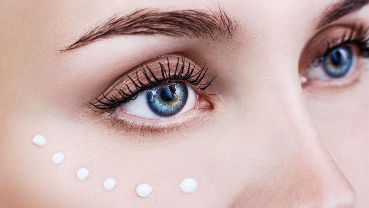 Skóra pod oczami - dlaczego powinnaś zadbać o nią odpowiednio wcześnie?