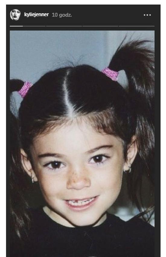 Kylie Jenner świętuje 21. urodziny i pokazuje zdjęcie z dzieciństwa!