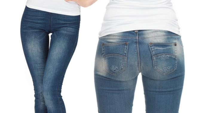 obcisłe jeansy