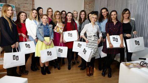 akademia kobiecości