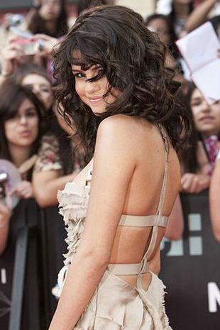 Selena Gomez w Burberry (FOTO)