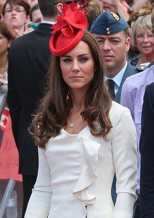 Kate Middleton w białej sukience Reiss (FOTO)