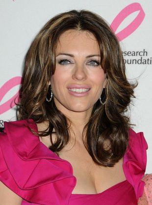 Liz Hurley wspiera walkę z rakiem piersi