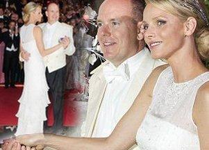Księżna Monako Charlene kolejny raz w Armani Prive