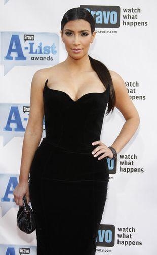 Kim Kardashian w rogatej sukience