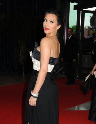 Kim Kardashian w retro sukni Valentino
