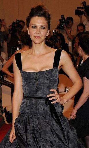 Maggie Gyllenhaal w balowej sukni Louis Vuitton
