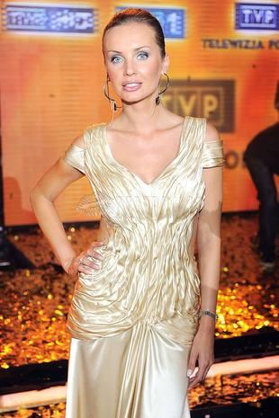 agnieszka szulim, złoty, złoto, sukienka
