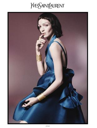 Mariacarla Boscono w kampanii Yves Saint Laurent