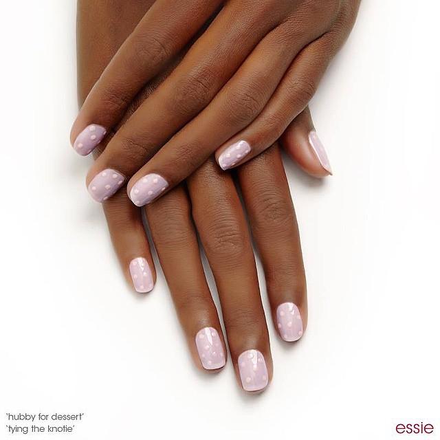 Modne paznokcie na wiosnę 2015 od Essie - propozycje