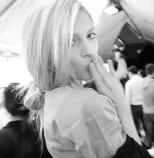 Śpiewające modelki na Fashion Week 2011 (VIDEO)