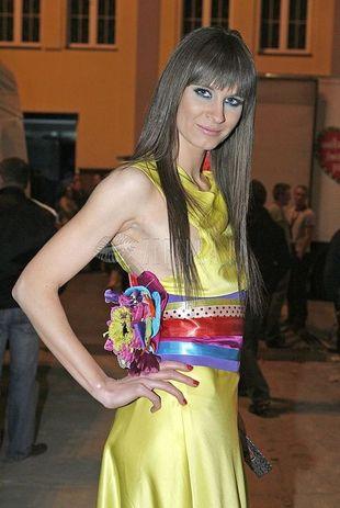 Sylwia Grzeszczak jak kolorowy ptak