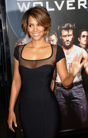 Halle Berry seksownie