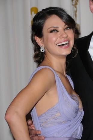 Mila Kunis w sukni Elie Saab (FOTO)