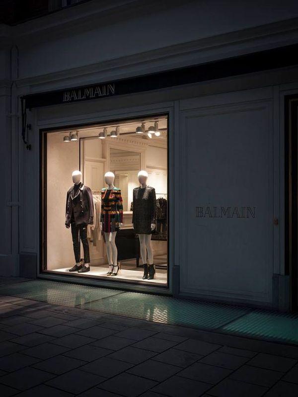 Jak wyglądają wnętrza butików Balmain? (FOTO)