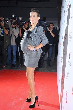 Anna Mucha nawet w ciąży nie rezygnuje ze szpilek (FOTO)