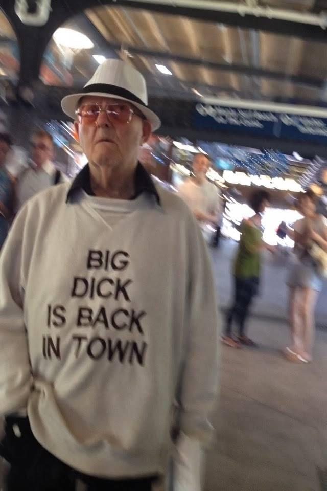 Jestem gruba bo mnie stać, czyli jakie nadruki lubią Polacy (FOTO)
