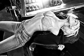 Rihanna dla Emporio Armani Underwear (FOTO)